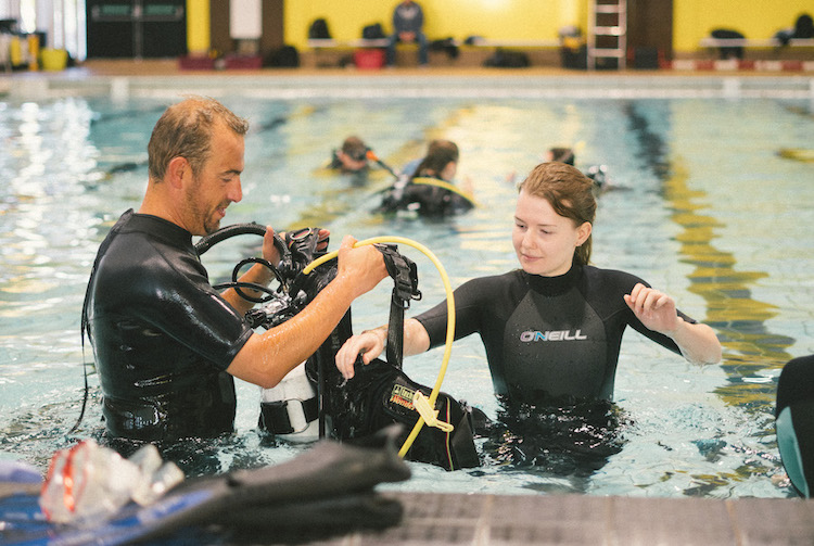 Stellar, divers, PADI, instructor, divemaster, open, water, advanced, rescue, speciality, scuba, dive, training, lincoln, lincolnshire, nottinghamshire, yorkshire, Service, centre, air, fills, regulator, equipment, sales